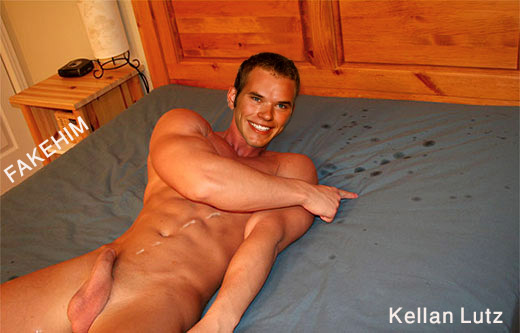 Kellan Lutz Totally Nude